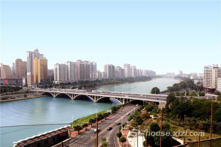 隆生广场东湖九区125平方精装修从未入住过卖的比毛坯房便宜仅售188万买到赚到