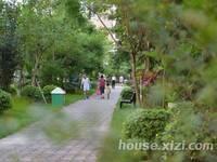 东江学府二期复式楼出售,4房2厅全新毛坯房,绝版户型,带80平方花园天台,有钥匙