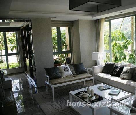 国华湖畔新城豪华大别墅带前后花园,位置好安静舒适,稀 缺房源诚意急售