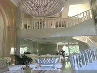 红花湖润园二期豪装双拼别墅,直接拎包入住,装修200万入住不久诚意出售,证满2年