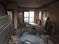 业主亏本急售 需要资金忍痛甩卖 半装修 南北通透 不到7000单价的装修房子