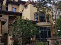 金山湖豪宅双拼别墅 带前后大花园 使用率达800平方