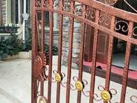 江北新区 双壁湾联排别墅 带前后大花园将近 业主急 售