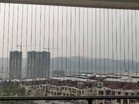 保利山水城 90平米小三房高层视野超好 中等装修 业主急售63万