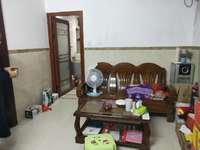 莲子塘小区两房两厅1000租 家私家电齐全 拎包直接入住