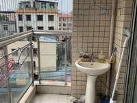 西枝江旁边水岸花都楼梯2房出售,07年新建物业,首期25万,可直接入住58万附图