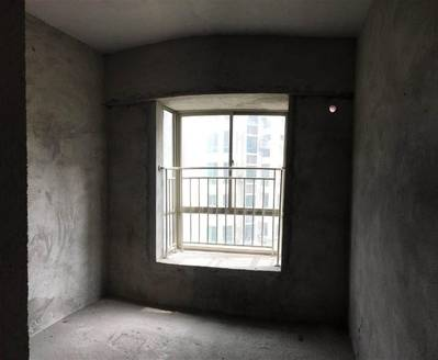 欧式园林社区 南向四房单价9字头 视野无遮挡 富龙翡翠欧庭