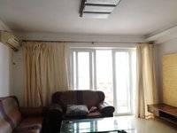 入读李瑞麟5中 精装修3房2厅,中间楼层 精装三房,送家私家电 住家安静舒适!