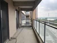 一线江景美宅 德威朗琴湾 中层电梯可做5房,带十米景观大阳台,证满二年。