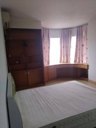 首付24万港惠沃尔玛旁电梯金特利大厦二房可该三房卖75万