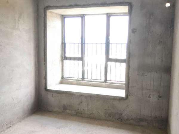 鼎峰国汇山 南坛学位房 花园中间 户型方正 中高楼层 采光好 视野开阔