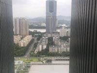 华贸中心 一线江景 带一小学位 拎包入住 住宅性质 过户费低 租金高 随时看房