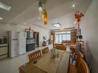 出租江北其他小区3室2厅1卫133平米3200元/月住宅