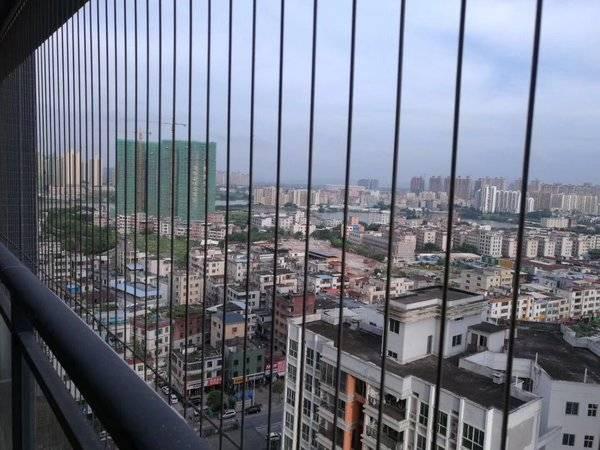 新天虹旁 温馨大三房朝东南 超宽6米阳台 过户费低 美地花园城