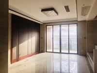 急售!急售!精装修!批发价!出售泰豪南山翡翠4室2厅2卫120平米140万住宅
