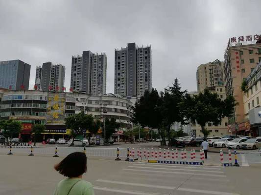 河南岸鸿昌路,临街旺铺出售,做好阁楼,带租约出售