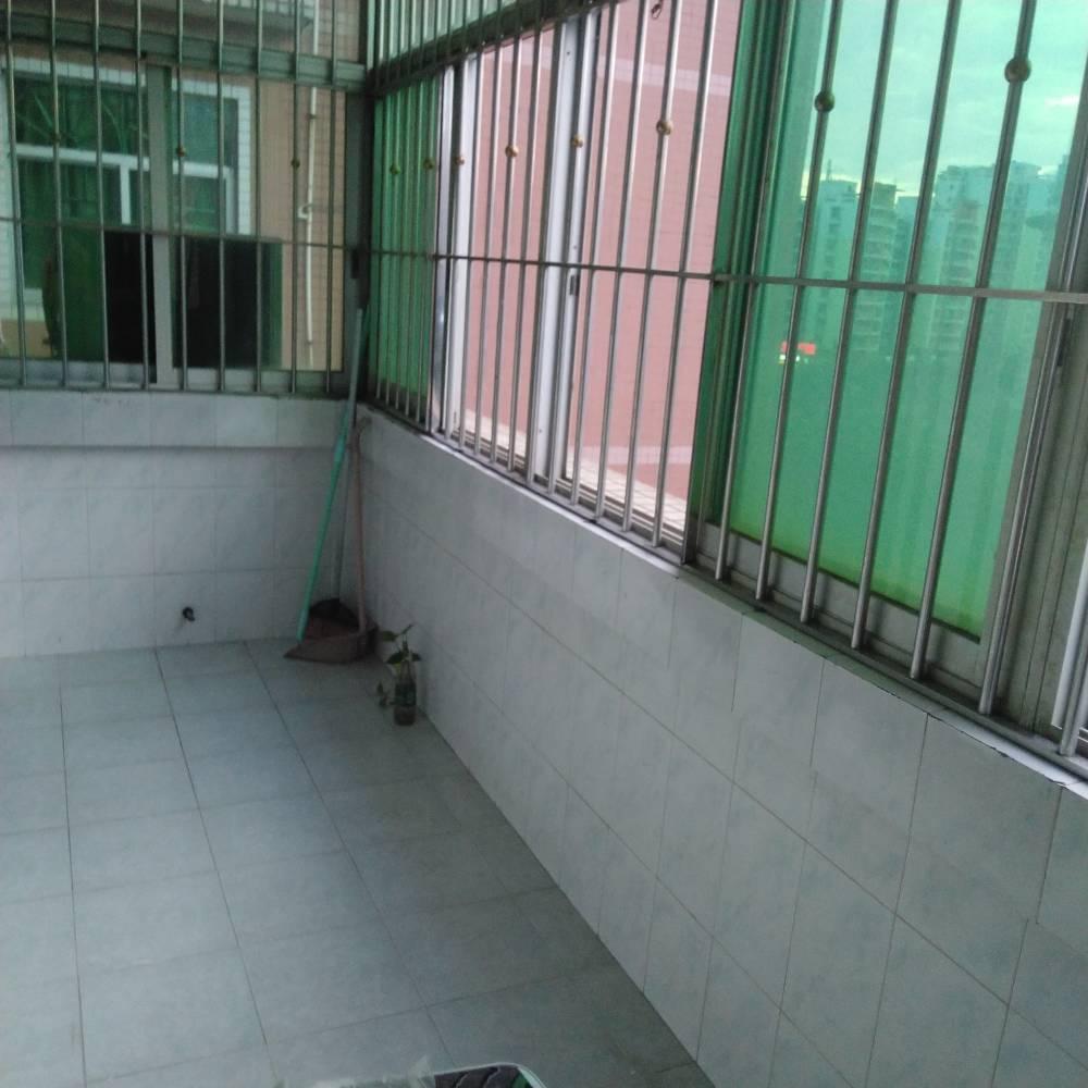 出租石湖苑4室2厅1卫139平米2800元/月住宅