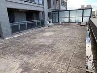 玉台华庭 四房两厅 超光好 带私家大露台 可搭建阳光房 业主卖138万