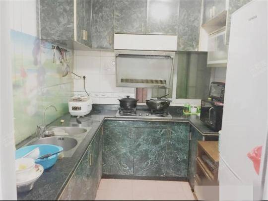 笋盘70万广梅汕家园电梯三房二厅精装修低价急售