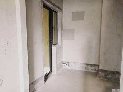 笋盘江北鼎峰国汇山四房二厅116平方南北通仅售141万