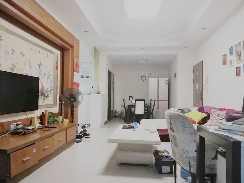 笋盘 115江畔花园三房二厅115平方精装修115万急售