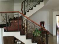 出售蓝天花园4室2厅4卫198平米185万住宅