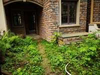 高铁新城 业主急售 双壁湾中间位花园别墅 位置好安静不吵