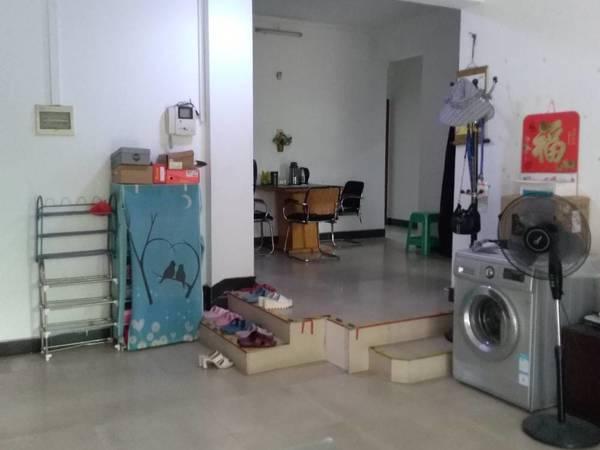 出租东江学府3室2厅2卫120平米700元/月住宅
