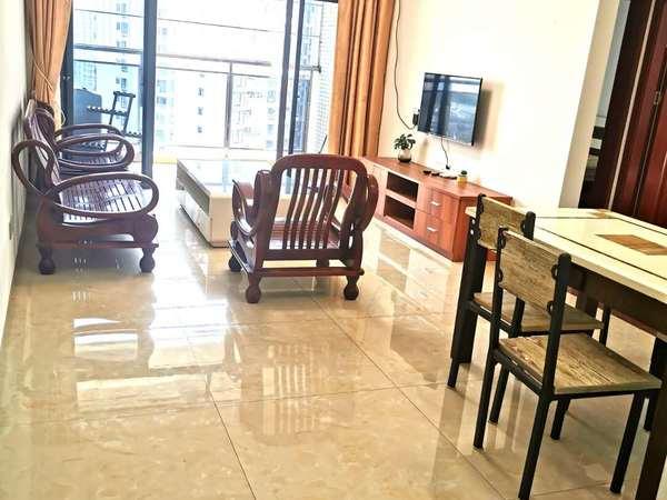 下角南泽裕园 3房2厅 朝南向 精装修 有钥匙看房 仅售110万