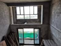 美丽洲叠墅上叠有大露台使用面积达330平方总价只需210万