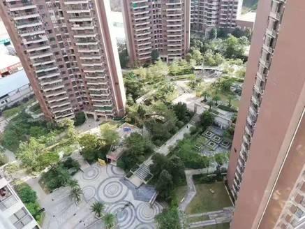 南部新城 鸿润叠韵高层电梯三房出售 亏本出售 装修未住人 发票10500元