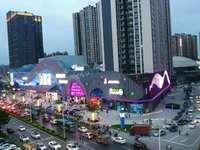 陈江商业综合体自持住宅底商,鑫月商铺单价12000,买一层送一层,绝对真实