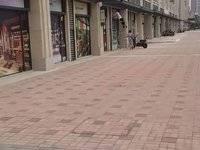 出租方直东岸52平米 每平米80元/月商铺
