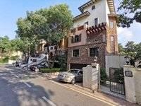 凯旋城联排边位别墅 实用面积约1000平 豪华欧式装修