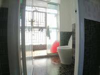 惠州学院旁山水华府大社区精装装小3房 视野好 阳台看别墅区。