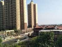 金山湖凯旋城楼王位置138平超大阳台三面采光168万朝南视野无遮挡证满两年