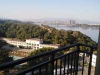 下角银河湾江景标准三房出售 高层 南北双阳台 仅售96万 有钥匙看房