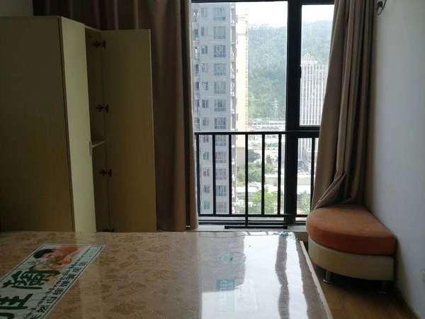 出售泰豪广场2室2厅2卫82平米69万住宅