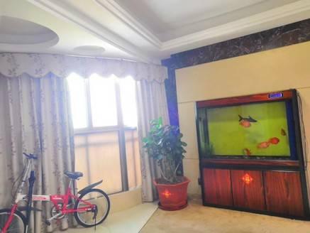 碧水湾对面 江景4房 送精装 房产证满五唯一 亏本50万急售 单价仅11200元