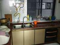 笋盘,东湖9区精装修3房,单价1.5万,拎包入住,中间楼层,带学位,看房方便