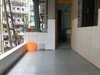 笋房笋 一中正前门的电梯房 双学位 朝南采光非常好 下楼就是一中