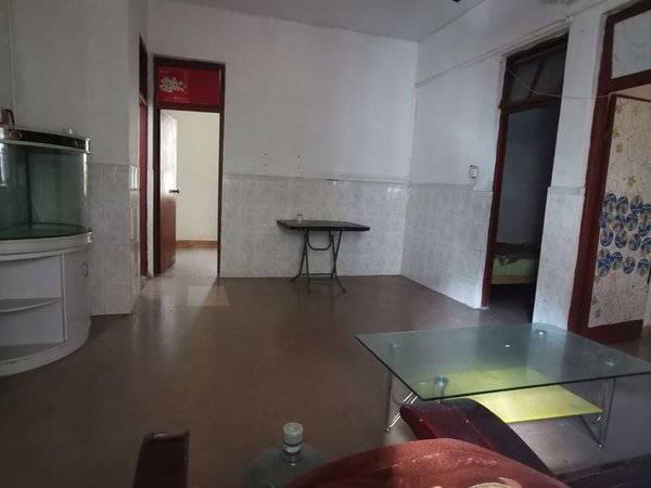 下角上湖塘小区步梯3楼 3房2厅 带部分家私电器 仅租800元