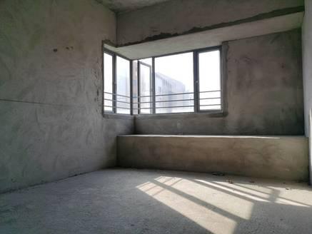 万林湖少有的毛坯房80万出售,读十一小五中,看房方便有钥匙