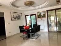 出售南湖花园5室2厅3卫215.4平米165万住宅