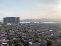 奥林匹克花园二期,江景88平105万3房2厅,3个房间全部看江,朝南精装,满两年