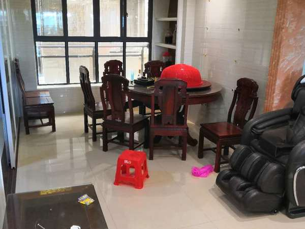 出租鼎峰国汇山3室2厅2卫114平米3300元/月住宅