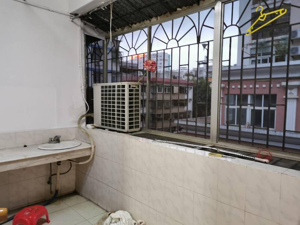 上排路桥公司宿舍 嘉湖苑旁 新装修带电梯三房二厅房屋出租