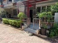 急售:单价七字头、江北中心、1楼带花园、精装四房、100万包过户