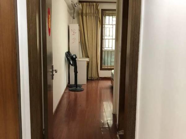 TCL嘉园旁,银鹰花园电梯三房出租,家私家电齐全,真实图片,来电可看房!