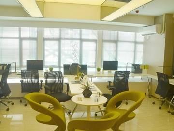 欢乐海湾 公寓办公  约100㎡  客厅